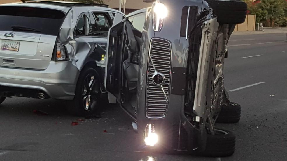 Em março de 2017, carro autônomo do Uber tombou em acidente também em Tempe (Foto: Courtesy FRESCO NEWS/Mark Beach/Handout via REUTERS)