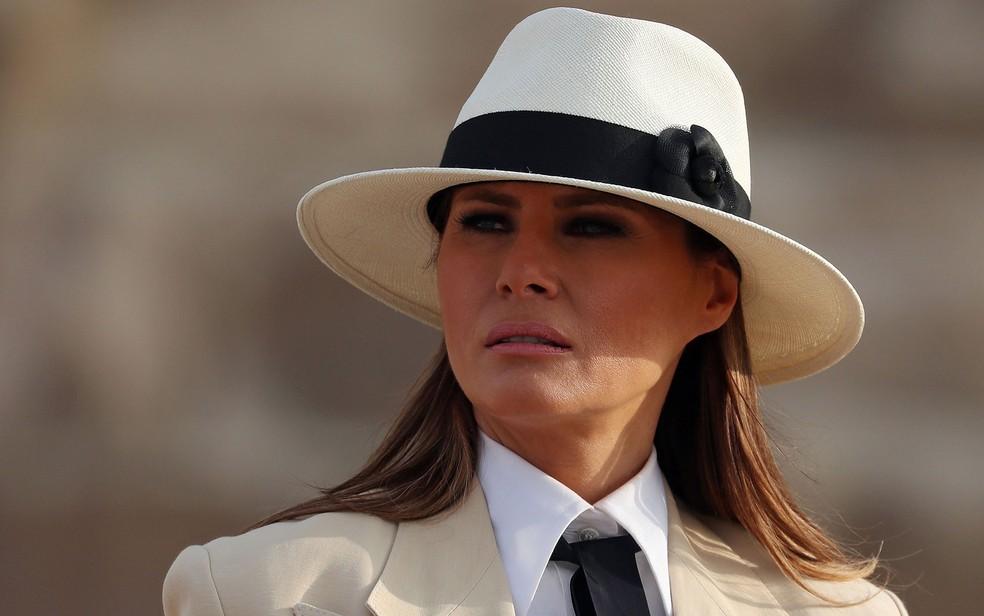 A primeira-dama dos Estados Unidos, Melania Trump, durante visita às pirâmides do Egito, no Cairo, no dia 6 de outubro — Foto: Reuters/Carlo Allegri