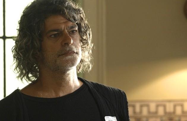 No sábado (16), Sóstenes (Marcos Caruso) procurará Murilo e os dois marcarão uma nova conversa, na casa do idoso.  (Foto: TV Globo)