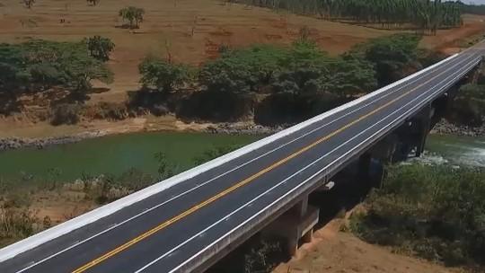 Ponte na BR-352, próximo a Abadia dos Dourados, é concluída após 30 anos