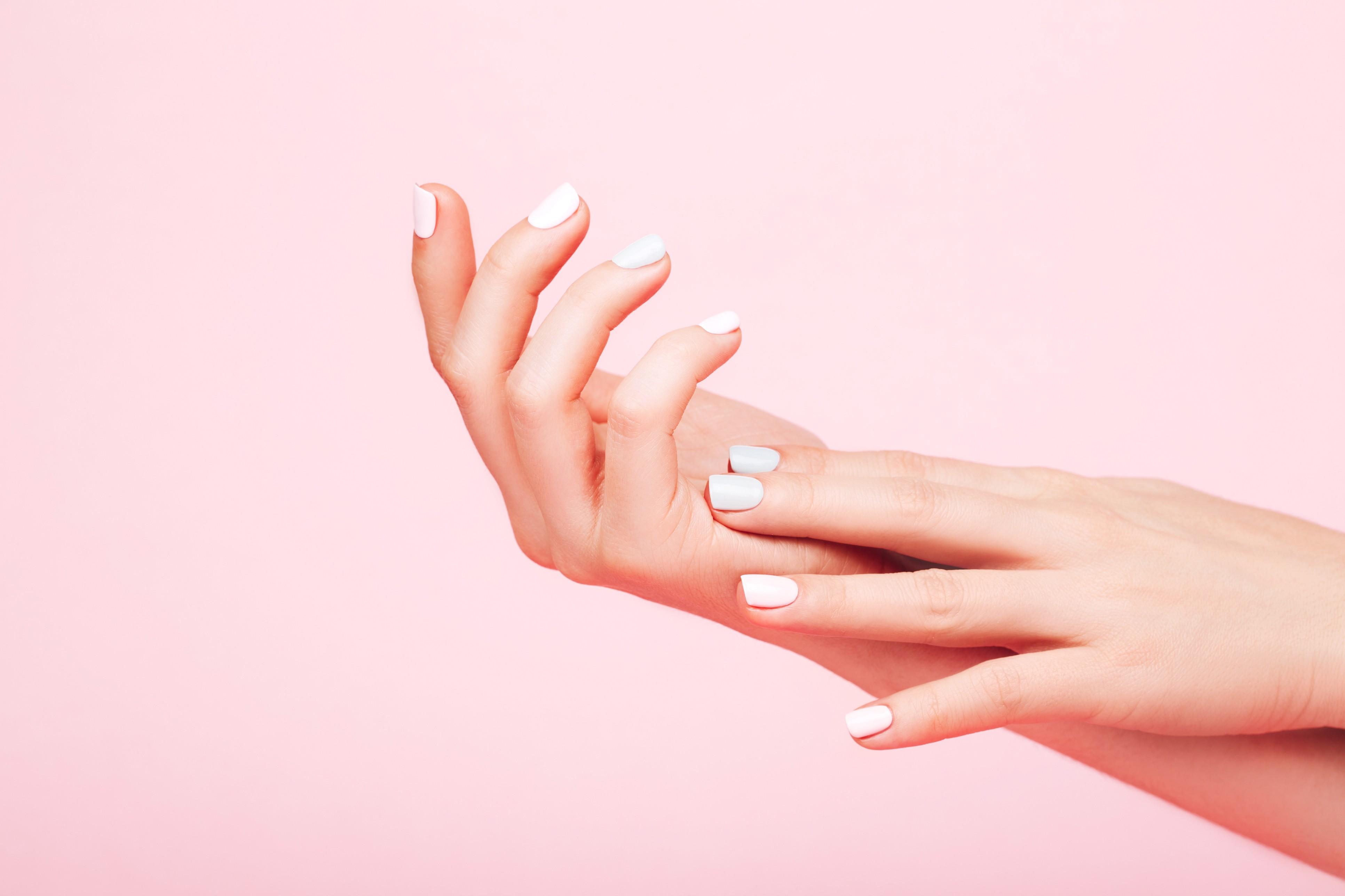 Assim como a pele do rosto, a das mãos também merece atenção e cuidados especiais (Foto: Thinkstock)
