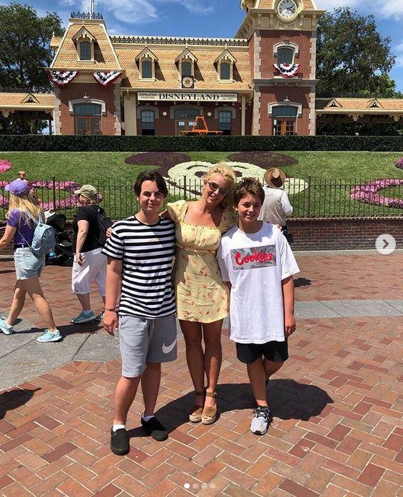 Britney Spears e os filhos Jayden e Preston (Foto: Instagram)