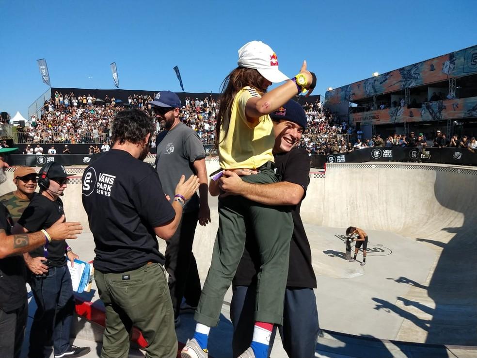 Pedro Barros e Yndiara Asp. Brasil ficou com o título nos dois naipes â Foto: Lorena Dillon