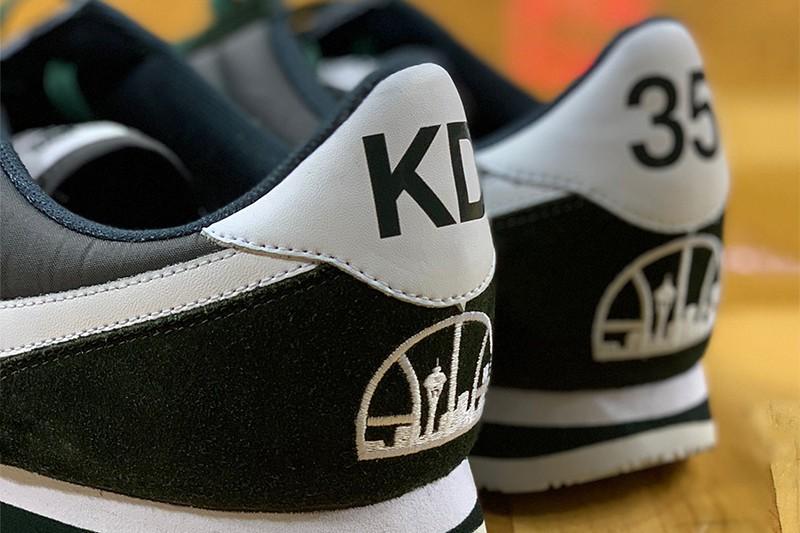 """O Nike Cortez """"SuperSonics"""" usado por Kevin Durant (Foto: Divulgação)"""