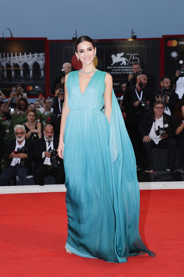 VENICE, ITALY - AUGUST 31:  Bruna Marquezine walks the red carpet ahead of the 'A Star Is Born' screening during the 75th Venice Film Festival at Sala Grande on August 31, 2018 in Venice, Italy.  (Photo by Vittorio Zunino Celotto/Getty Images) (Foto: Getty Images)