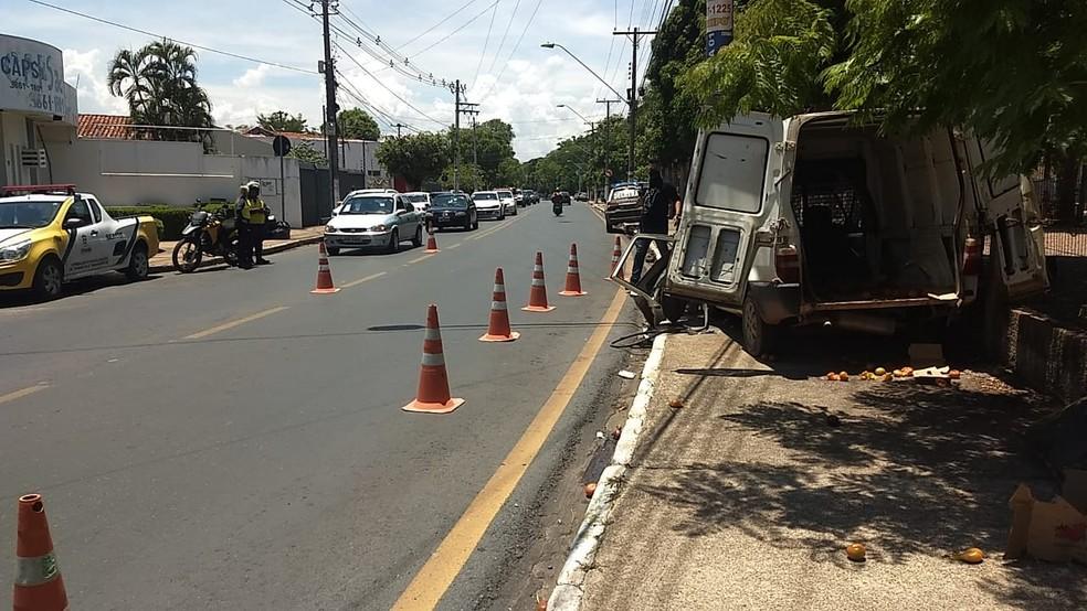 Parte da avenida ficou interditada em Cuiabá — Foto: Divulgação