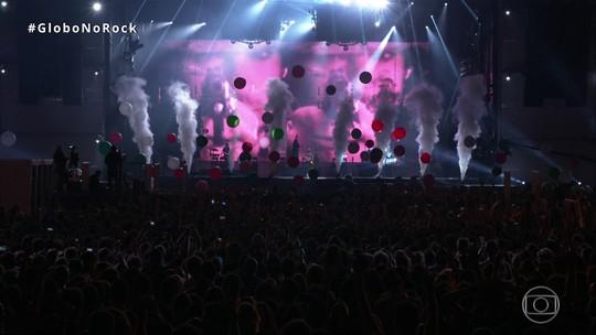 "Thirty Seconds To Mars levanta o público com ""This is War"""