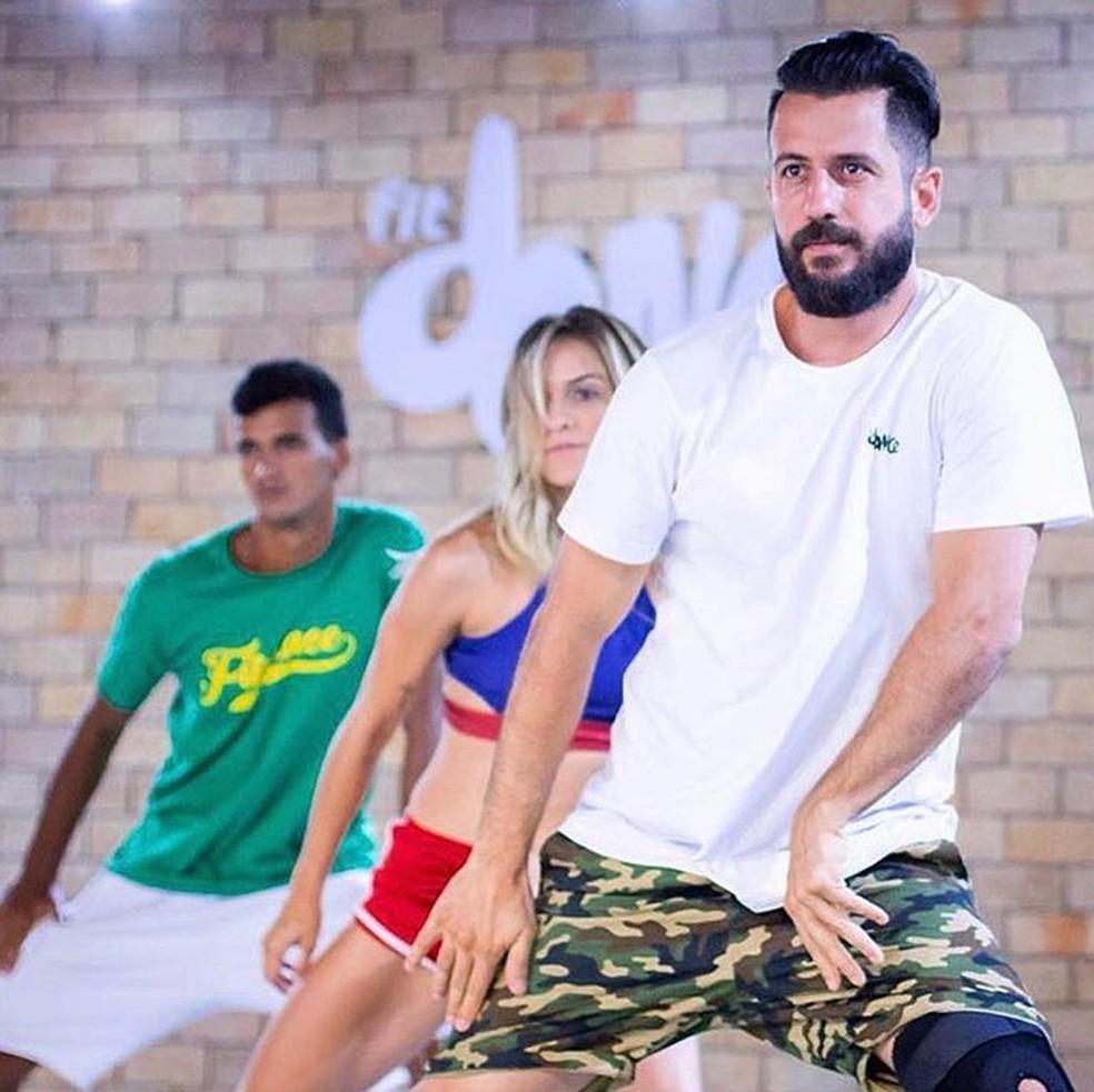 No YouTube, o FitDance publica vídeos das coreografias que são seguidas nas aulas (Foto: Reprodução/Instagram/FitDance)