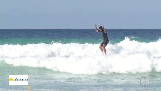 """""""Vai Encarar?"""" aprende a surfar com Victor Ribas na semana do Mundial de surfe no Brasil"""