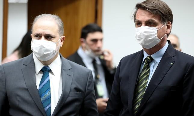 O procurador Augusto Aras e o presidente Jair Bolsonaro
