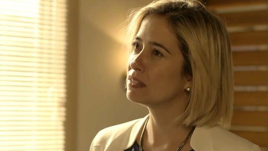Lígia pensa em proibir Rita de se aproximar de Nina