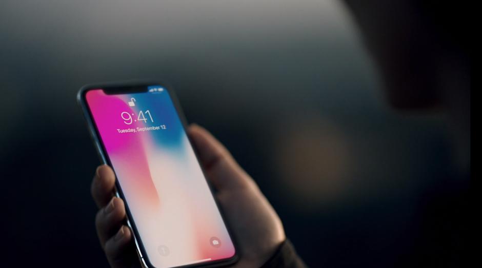 Apple lançou ontem o iPhone X, modelo mais avançado da marca (Foto: Divulgação)