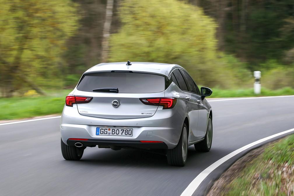 Opel Astra vendido na Europa (Foto: Divulgação)