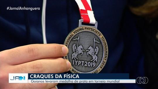 Estudantes goianos levam a prata no mundial de física ao integrarem da equipe brasileira