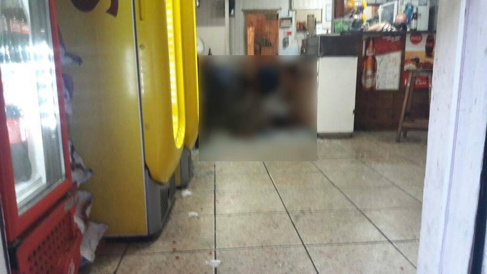 Homem morreu dentro do bar no centro de Petrópolis, no RJ (Foto: Marcello Santos/Arquivo Pessoal)