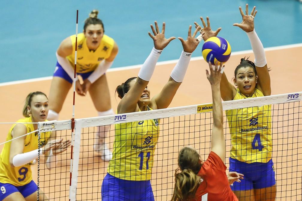 O bloqeio foi um dos pontos fortes na vitória do Brasil  (Foto: Divulgação/FIVB)