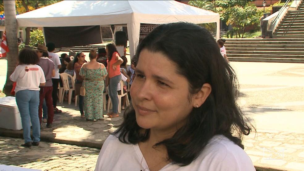 Professora Ana Paula disse que a escola onde dá aulas foi assaltada há poucos dias (Foto: Reprodução/TV Mirante)