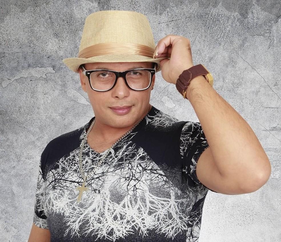 Paulynho Paixão ficou conhecido por sua músicas com letras românticas ligadas especialmente ao ritmo brega. — Foto: Divulgação