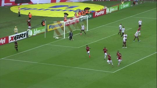 """Jornais do Peru exaltam retorno de Guerrero aos gramados após suspensão: """"Deus do gol"""""""