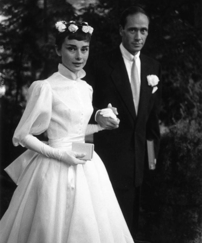 Resultado de imagem para casamento audrey hepburn