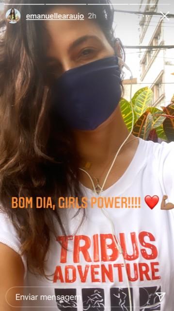 """Emanuelle Araújo publicou uma foto sua com a frase """"Bom dia, girl power"""" (Foto: Reprodução)"""