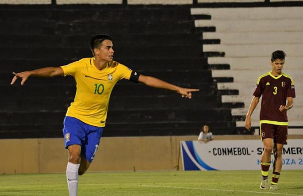 Reinier pela seleção brasileira de base (Foto: Arquivo pessoal)