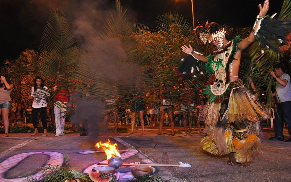 -  Festival Borari é marcado por ritual, danças e degustação de comidas para lembrar os povos indígenas que habitaram Alter do Chão  Foto: Zé Rodrigues/