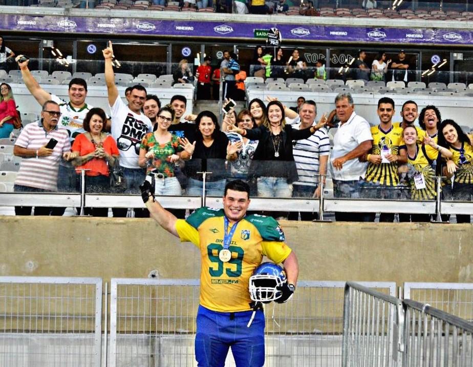 bcb43f1af191d ... Mais um brasileiro na NFL  Durval Queiroz