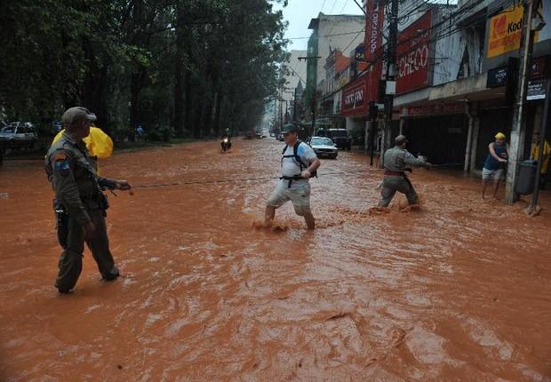 Enchente (Foto: Valter Campanato/Agência Brasil)