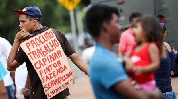 Imigrante venezuelano em busca de trabalho em Boa Vista  (Foto: Marcelo Camargo/Agência Brasil)