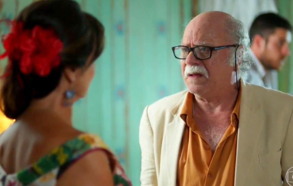 Em 'A Força do Querer', Abel (Tonico Pereira) fica horrorizado quando descobre quem é  pai de Rita — Foto: Globo