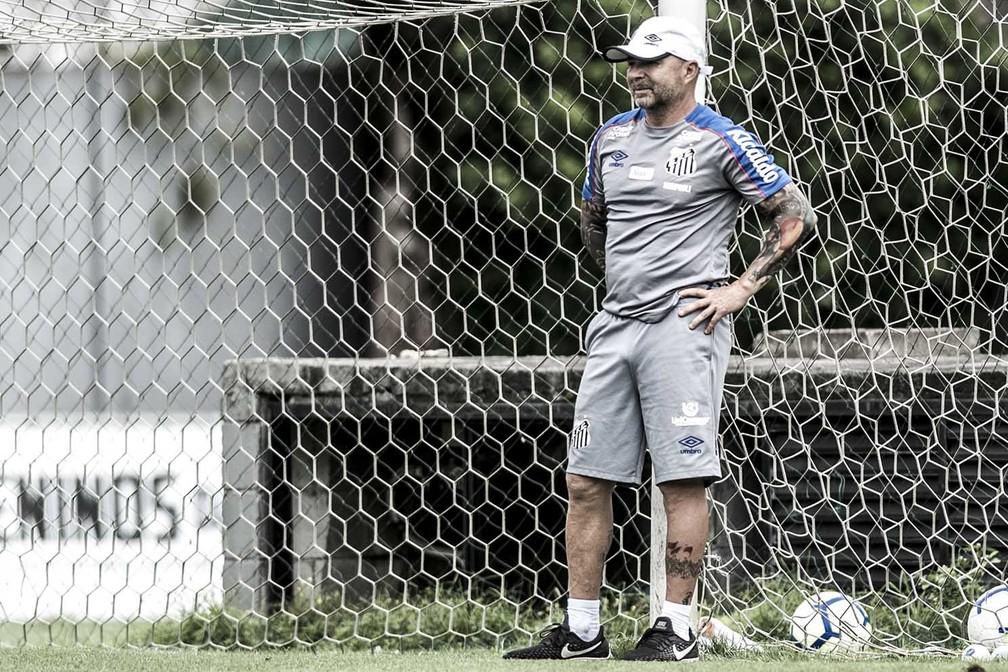Jorge Sampaoli acompanha treino do Santos — Foto: Ivan Storti/Santos FC