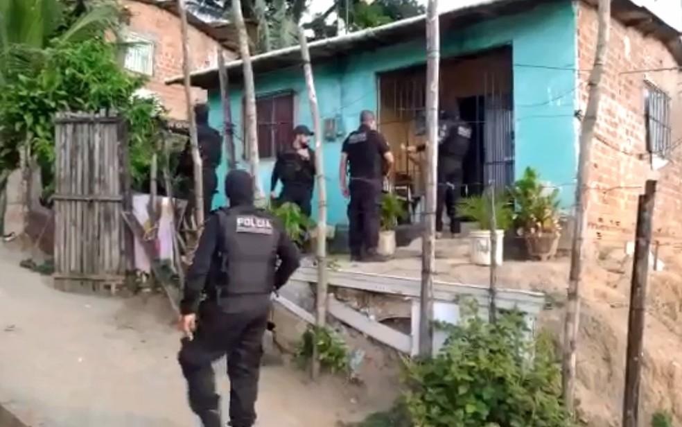 Polícia Civil cumpre mandados em diferentes pontos do Recife em operações simultâneas, nesta quinta-feira (27) — Foto: Reprodução/Polícia Civil