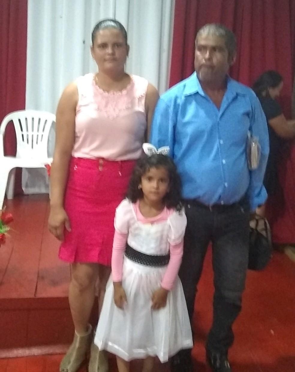 Alfredo Silva é casado com Rosa Maria há 12 anos e do casamento nasceram dois filhos  — Foto: Arquivo pessoal