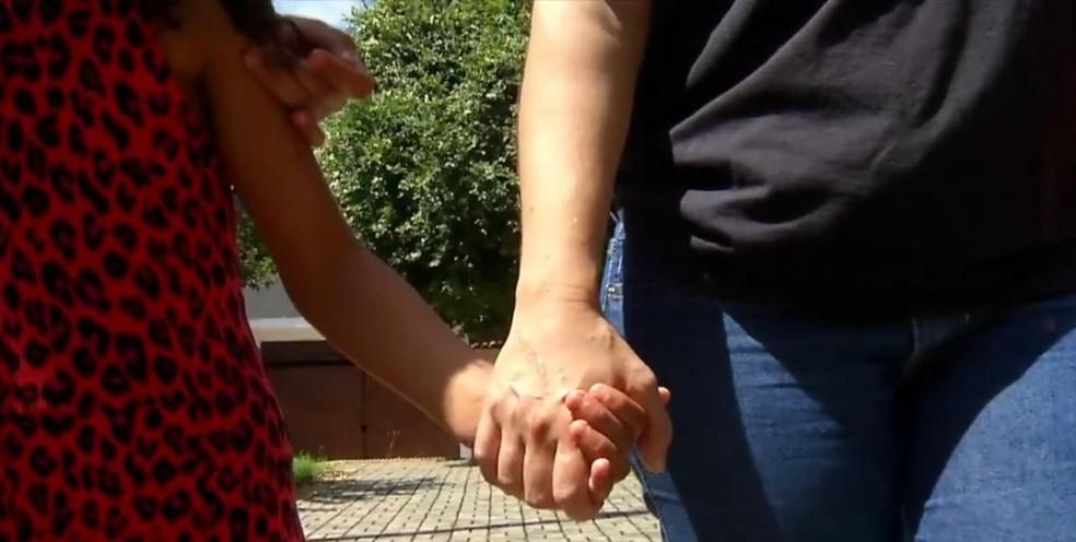 Flaviana vive em um apartamento com os cinco filhos — Foto: Inter TV Cabugi/Reprodução