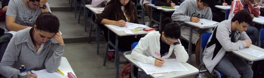 Alunos fazem prova do Enem (Foto: ABR)