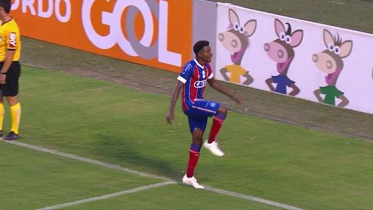 """Ramires destaca homenagem ao pai em gol e fala sobre especulações: """"Focado no Bahia"""""""