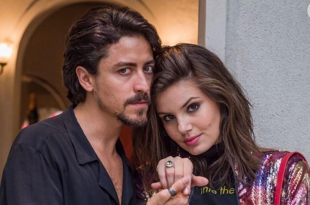Jerônimo (Jesuíta Barbosa) e Vanessa (Camila Queiroz) (Foto: TV Globo)