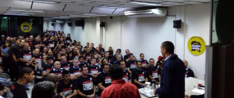 Segunda assembleia foi realizada na sede do Sindicato dos Rodoviários em Sorocaba (Foto: Wilson Jr./TV TEM)