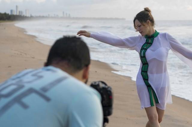 Hermila Guedes pode ser vista no clipe 'Hibakusha' (Foto:  Jhow Borges)