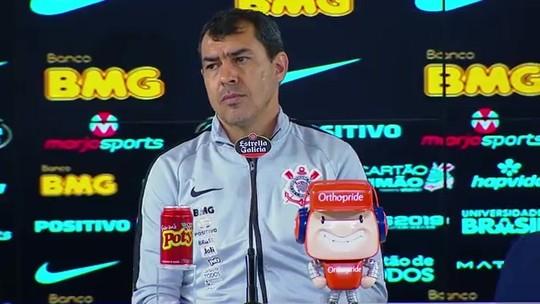 """Carille brinca sobre ser chamado de retranqueiro pela torcida do Corinthians: """"Estou com moral"""""""