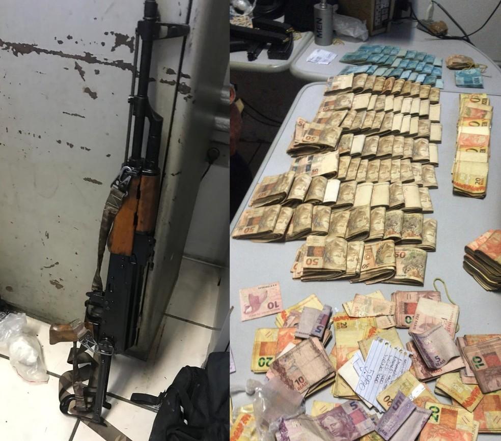 FuzilAK-47 e grande quantidade de dinheiro são encontrados em Cubatão, SP — Foto: Divulgação/Polícia Militar Ambiental