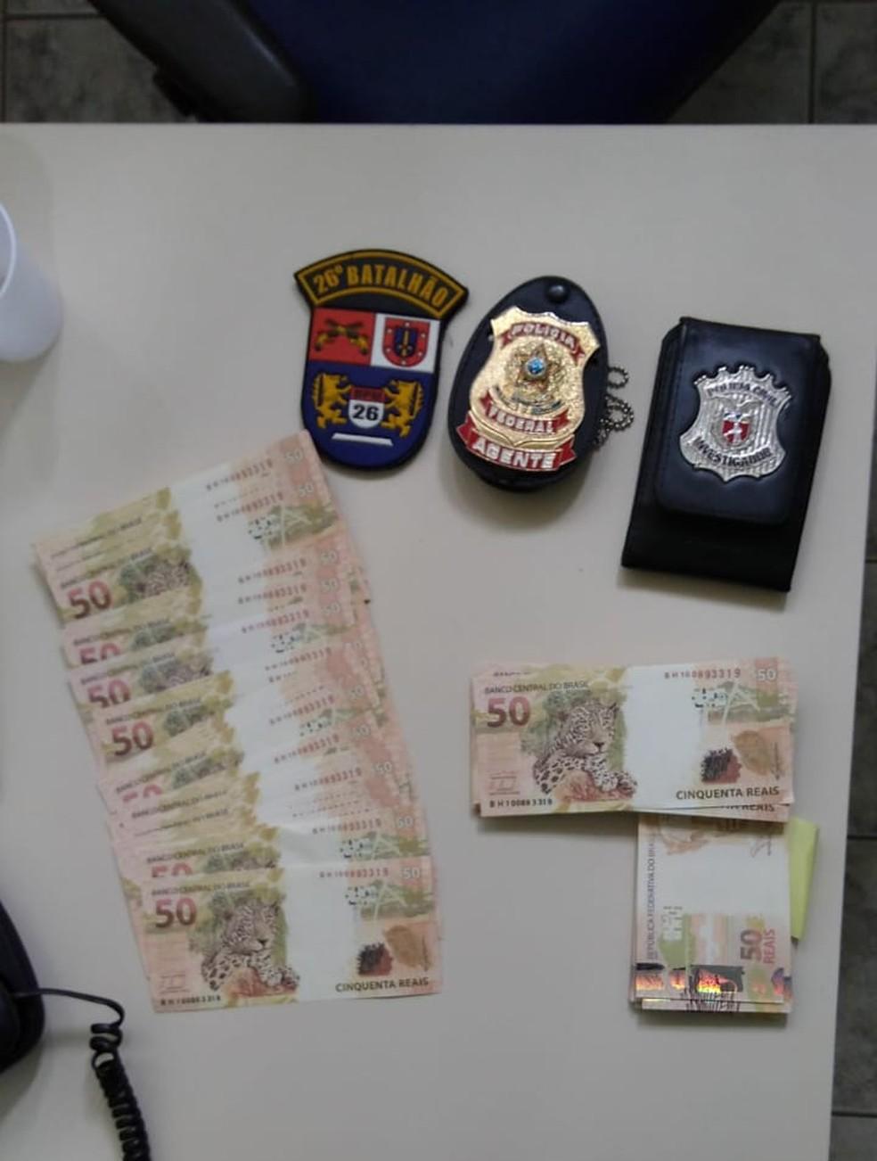 """Menor """"encomendou"""" com R$ 8 mil em notas falsas  — Foto: Divulgação/PF"""