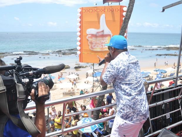 Márcio Victor agita folião no Arrastão desta Quarta de Cinzas (Foto: Gilmar Castro /Ag Haack)