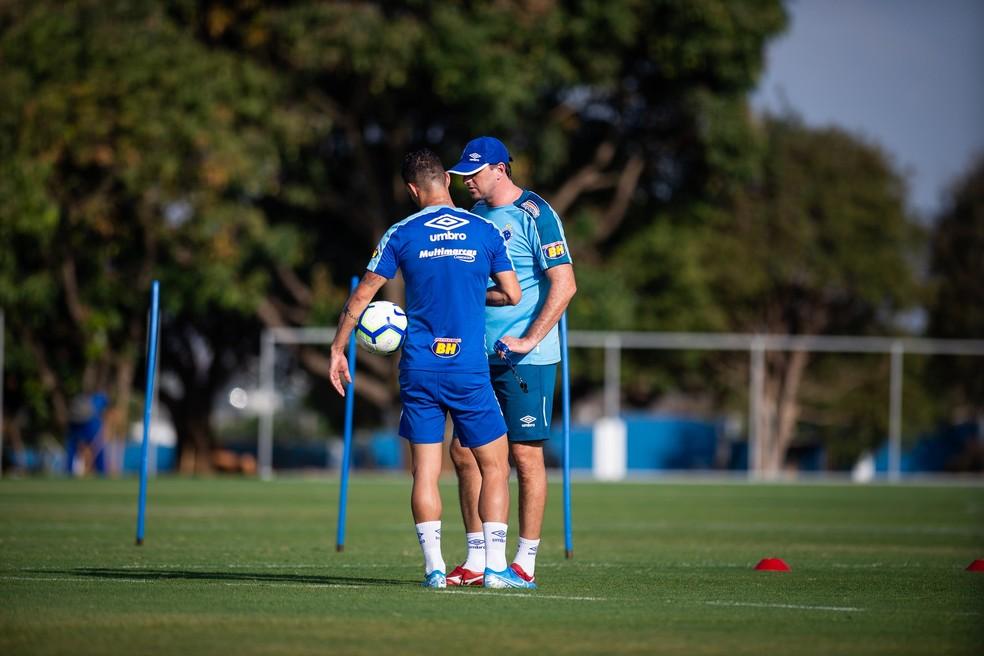 Thiago Neves e Rogério Ceni viveram dias conturbados no Cruzeiro  — Foto: Vinnicius Silva / Cruzeiro