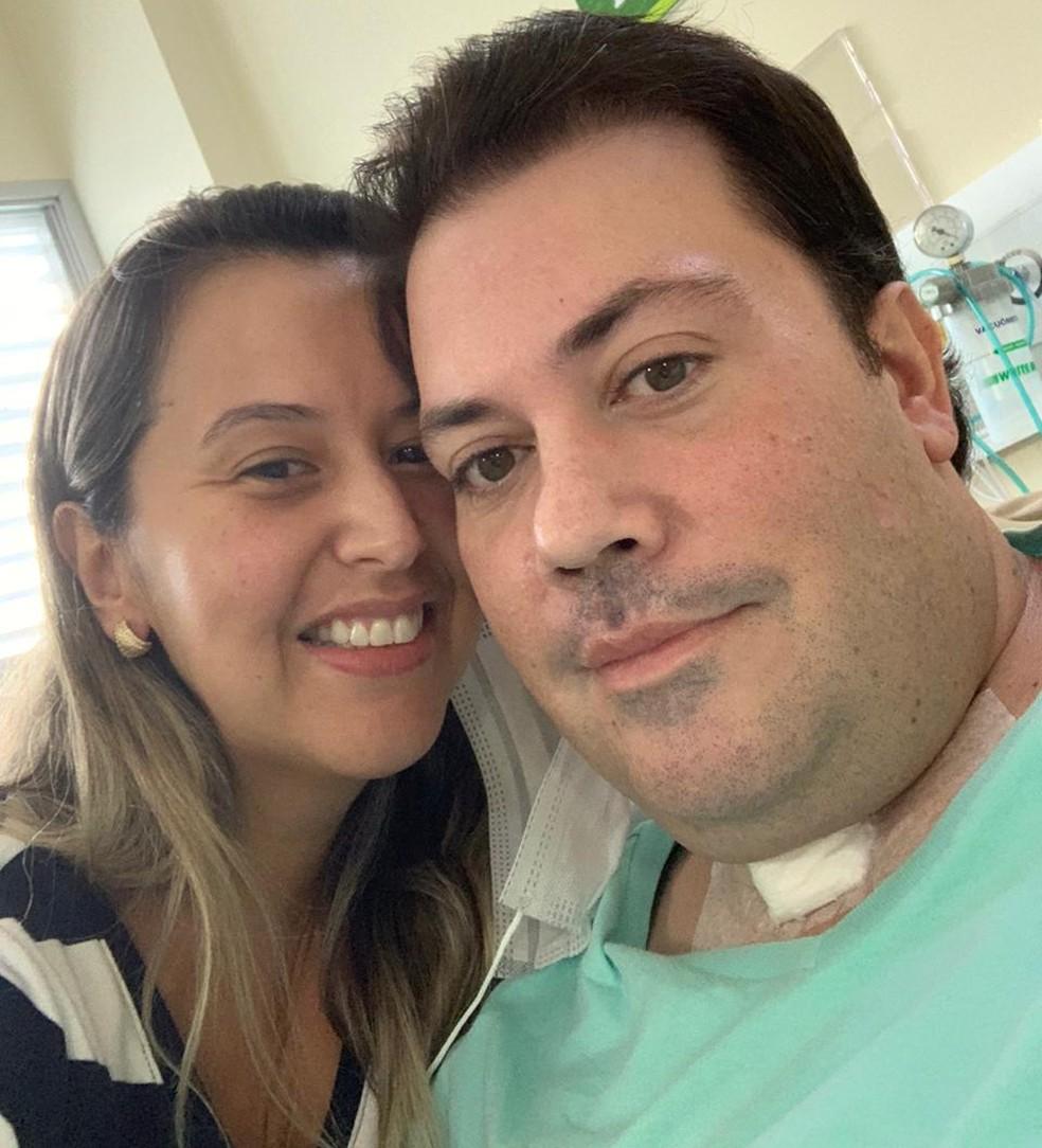 Após alta, Alexandre e esposa se encontram em Tatuí — Foto: Arquivo Pessoal
