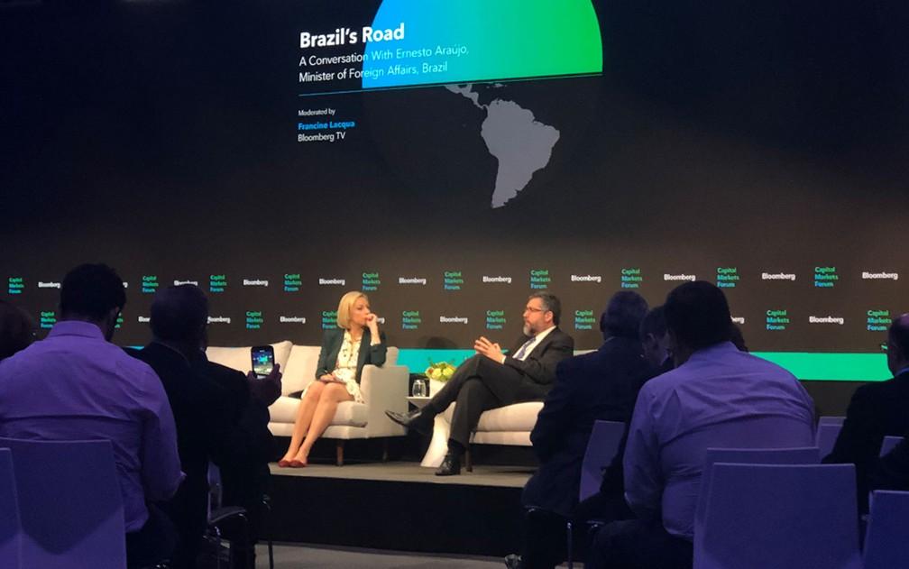 O Ministro das Relações exteriores do Brasil, Ernesto Araújo, participa de evento da rede Bloomberg, em Nova York, na quinta-feira (26) — Foto: Felippe Coaglio/TV Globo