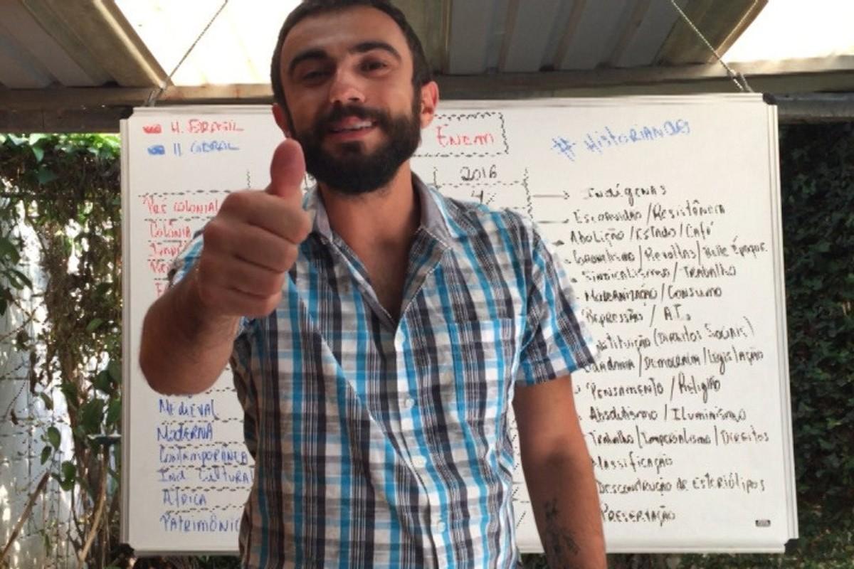 Com videoaulas e cursinho gratuito, professores voluntários de Mogi preparam alunos para Enem e vestibulares