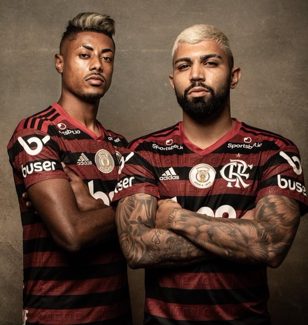 Bruno Henrique e Gabigol concorrem a melhor jogador da Libertadores — Foto: Divulgação / Conmebol