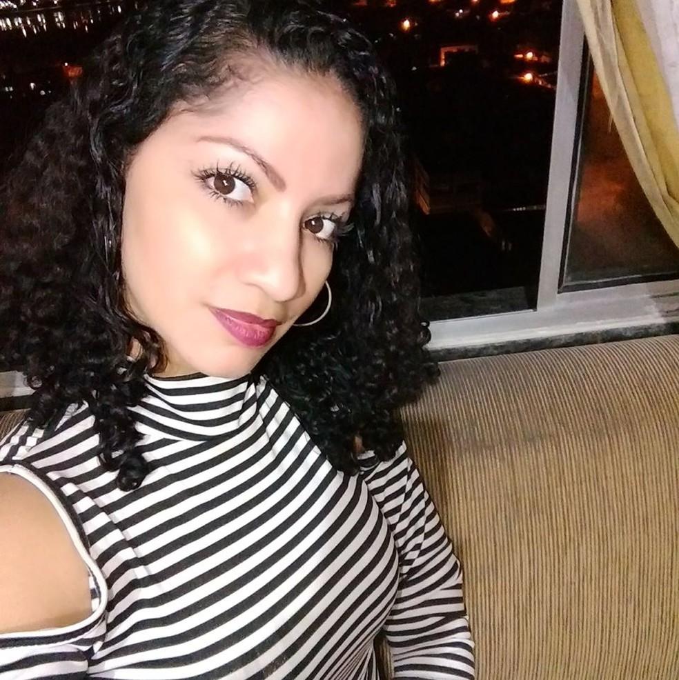 Cristina Mello do Rosário, de 34 anos, foi assassinada pelo companheiro — Foto: Reprodução/Facebook